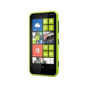 Смартфон Nokia Lumia 620 green
